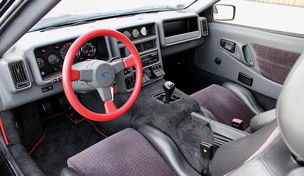 alguien-ha-pagado-250-000-euros-por-un-ford-rs200-de-color-negro-con-menos-de-2-000-km-09