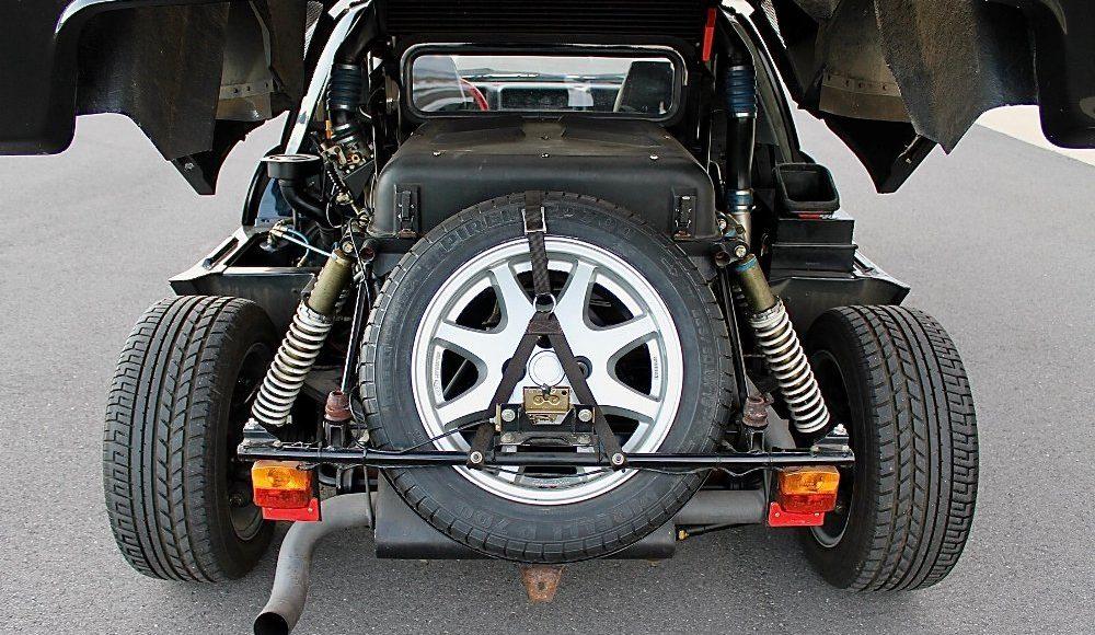 alguien-ha-pagado-250-000-euros-por-un-ford-rs200-de-color-negro-con-menos-de-2-000-km-13