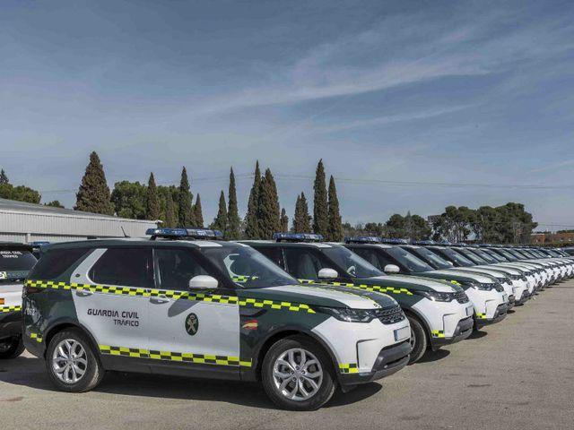 La Guardia Civil adquiere 85 unidades de Land Rover Discovery: ¿Es necesario un vehículo de más de 60.000 euros?