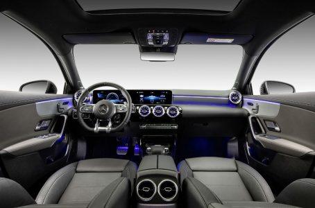 El Mercedes-AMG A35L tiene más distancia entre ejes, pero los mismos 306 CV