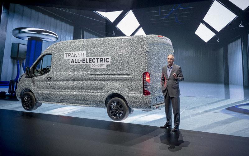 Habrá una Ford Transit híbrida enchufable en 2019 y una Transit 100% eléctrica en 2021