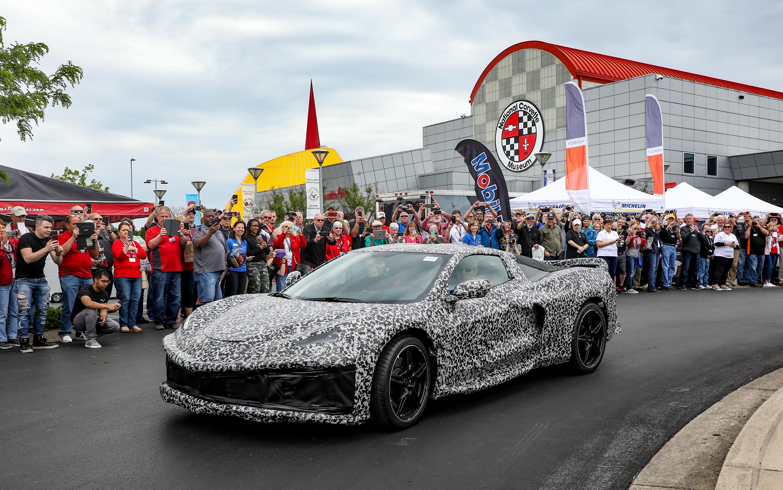 ¡Sorpresa! El Corvette C8 hace una aparición pública poco antes del debut