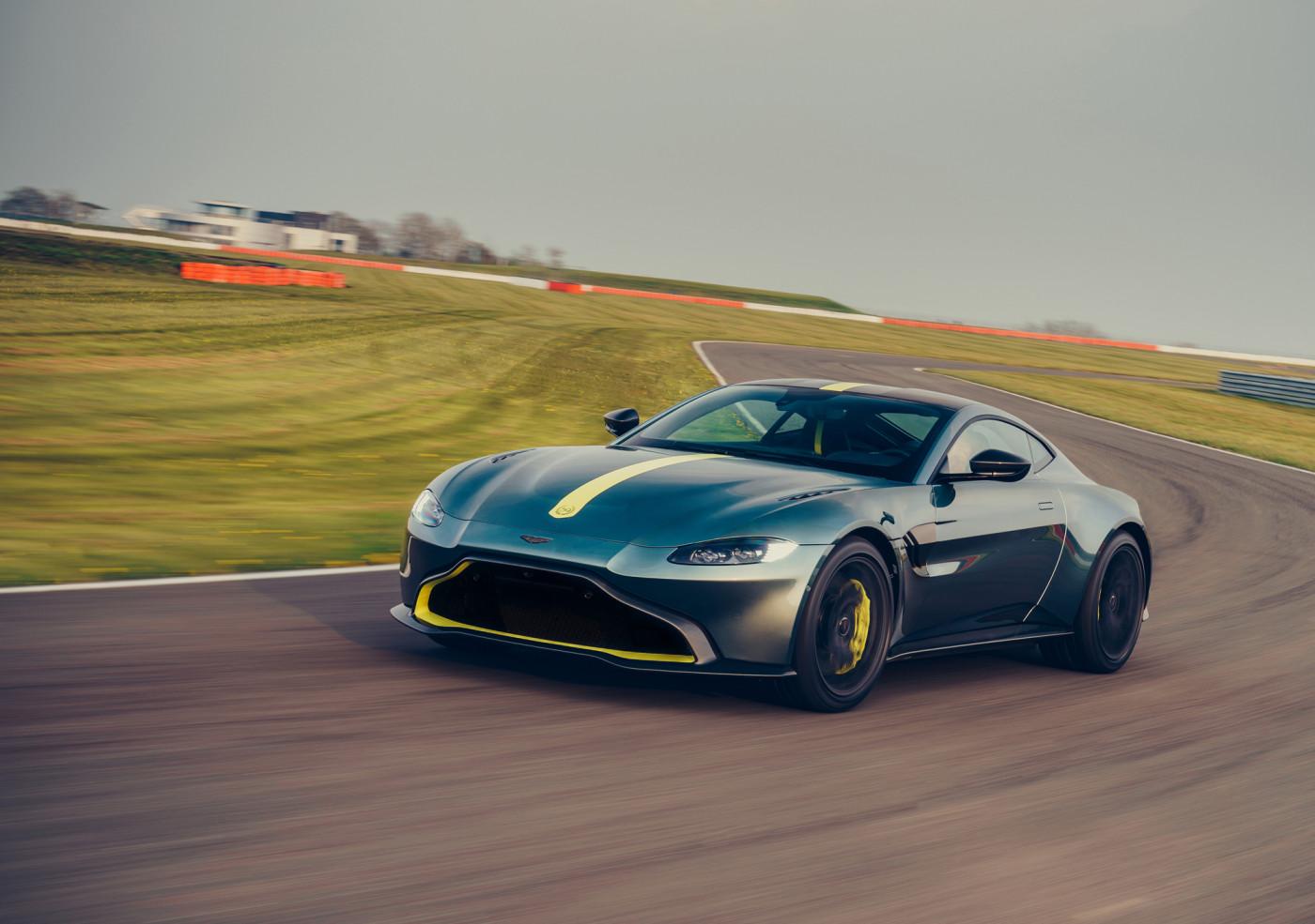 Aston Martin Vantage AMR: rápido, potente y con cambio manual, una oda al pasado