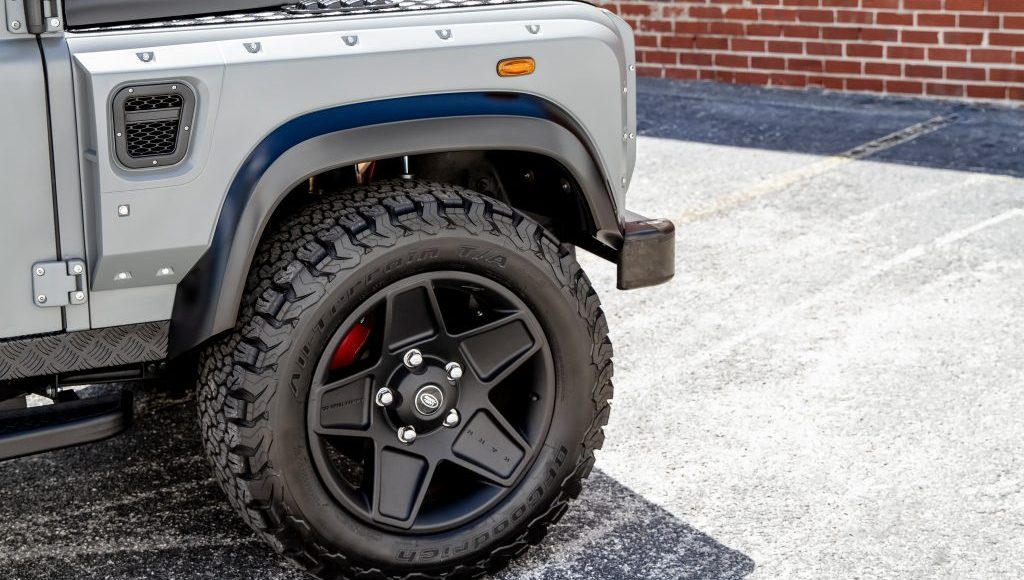 Land-Rover-Defender-Project-Soho-por-ECD-2