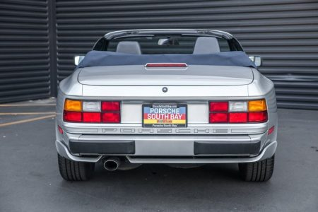 Este Porsche 944 S2 Cabriolet de 1990 con menos de 8.000 kilómetros busca dueño