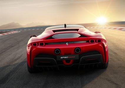 Ferrari SF90 Stradale: El primer Ferrari híbrido enchufable ya es oficial