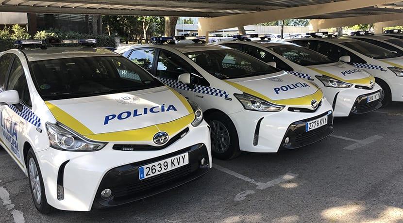 La policía de Madrid se vuelve híbrida: 23 Mitsubishi Outlander PHEV y 50 Toyota Prius+ se suman a la flota