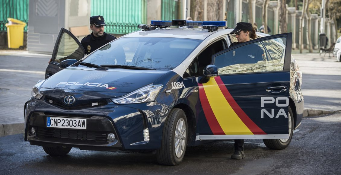 Toyota-Prius-Policía-Nacional-6