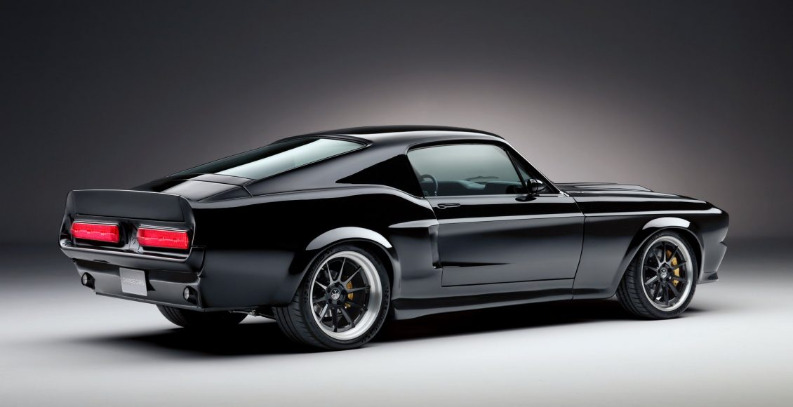 206a85e7-ford-mustang-ev-charge-05