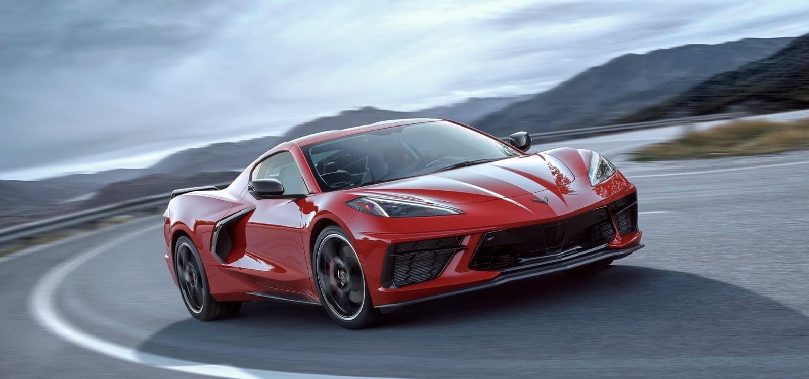 El sistema de elevación del morro del Corvette C8 se apoya en el GPS: Ya no tendrás que preocuparte por los badenes