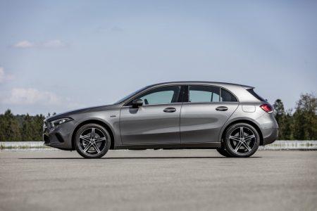 Mercedes-Benz A 250e y B 250e: La oferta híbrida enchufable continúa creciendo