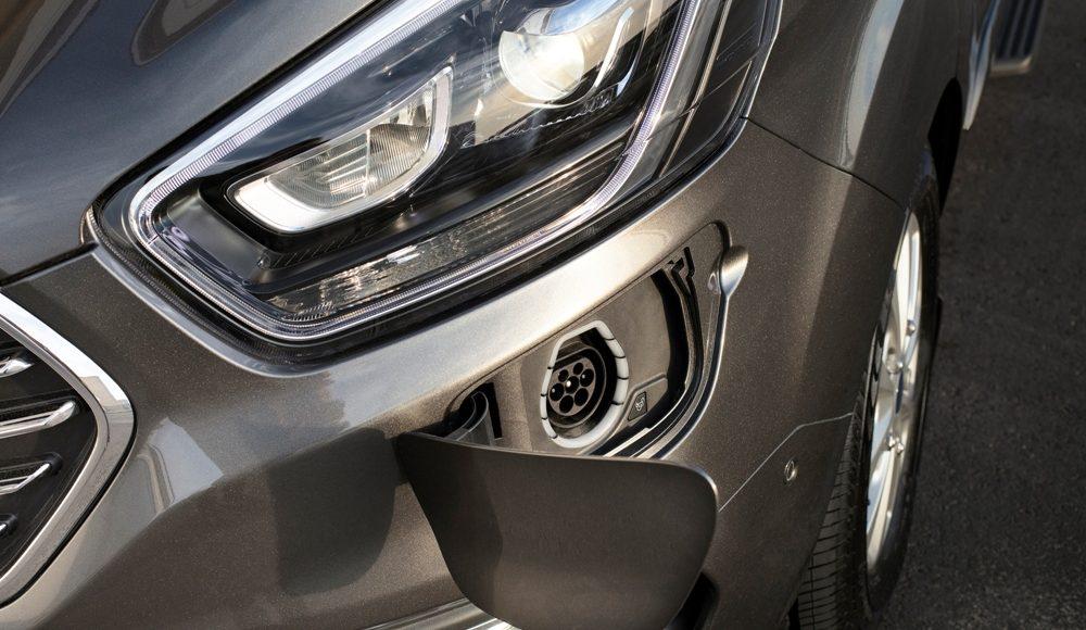 Ford-Tourneo-Custom-Plug-In-Hybrid-4