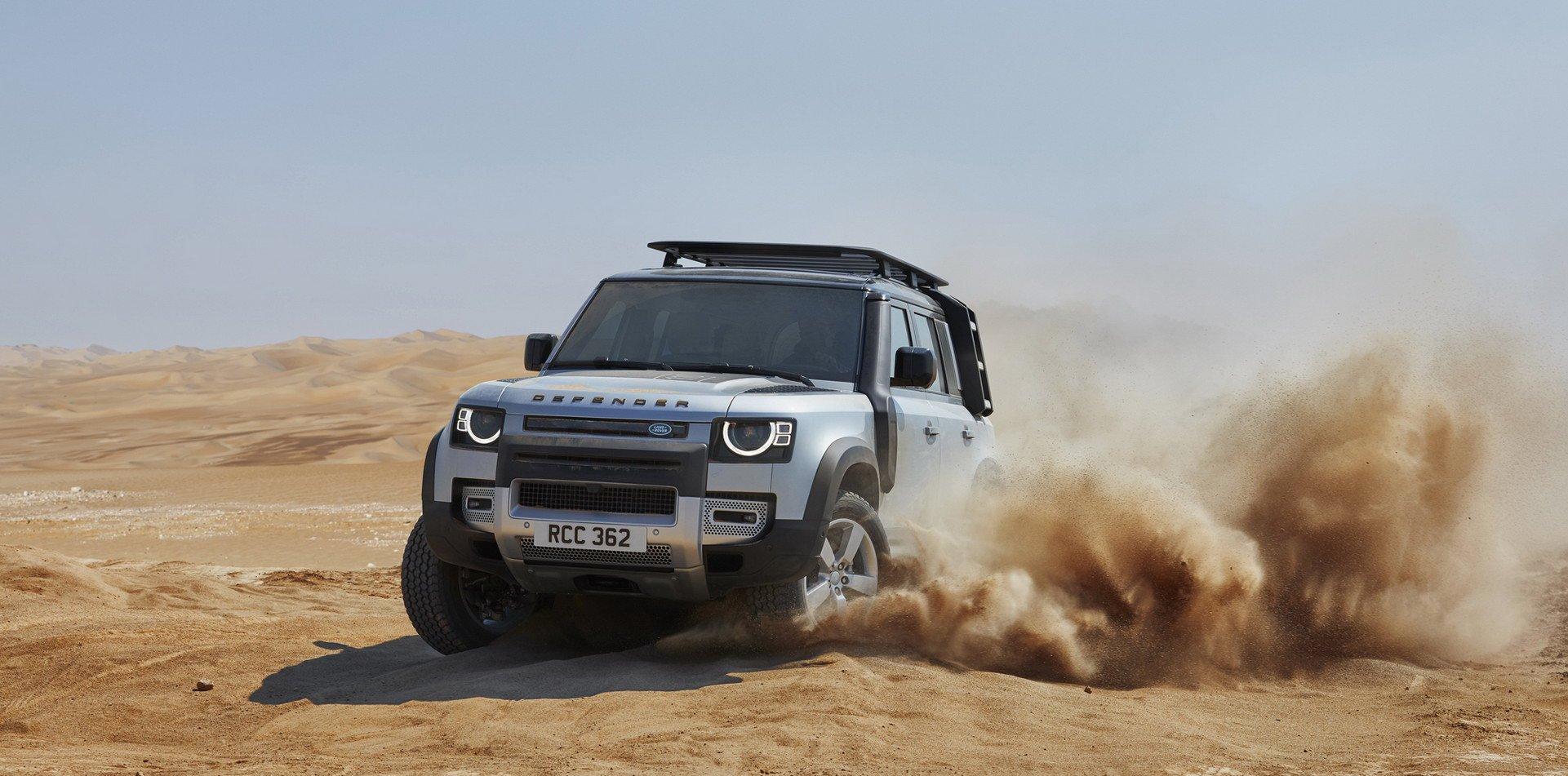 El Land Rover Defender podría recibir una variante SVR con motor BMW