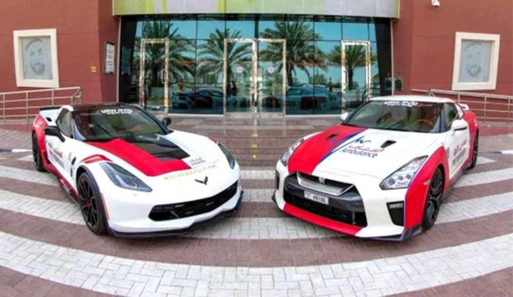 Chevrolet-Corvette-Nissan-GT-R-ambulancias