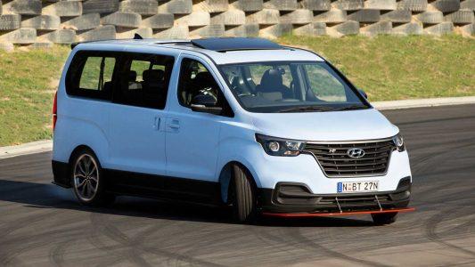 Hyundai iMax N Drift Bus: La furgoneta con 407 CV y propulsión trasera