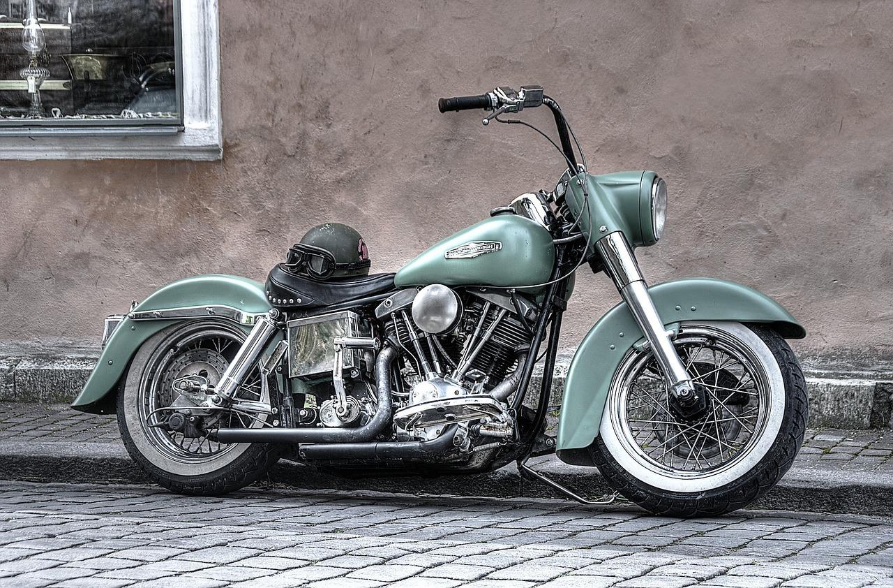Los alumnos de Zona F podrán hacer sus prácticas de moto con una Harley Davidson