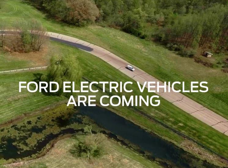 Vídeo: Ford nos adelanta el Mustang-SUV que debutará en noviembre
