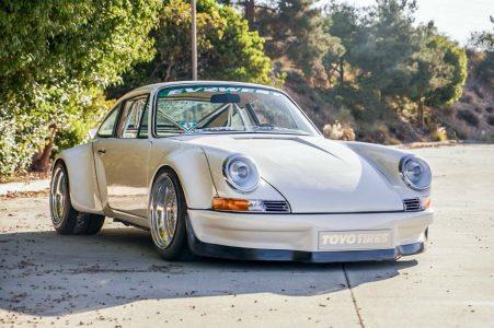Este E-RWB es un Porsche 911 que esconde un motor eléctrico de Tesla con 570 CV