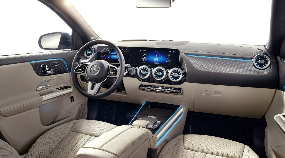 Mercedes-GLA-2020-16