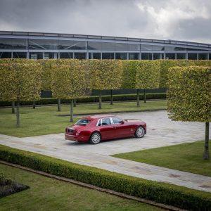 Rolls-Royce Bespoke Red Phantom: Un one-off para luchar contra el SIDA