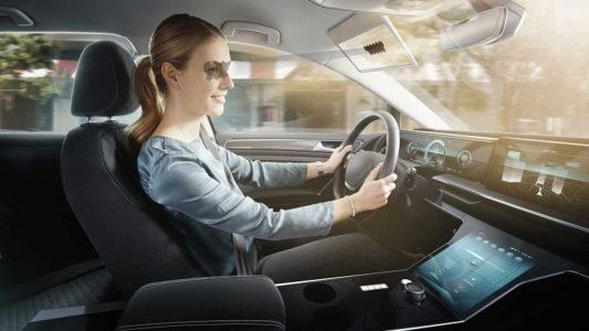 """Bosch reinventa el parasol del coche con un panel LCD """"transparente"""""""