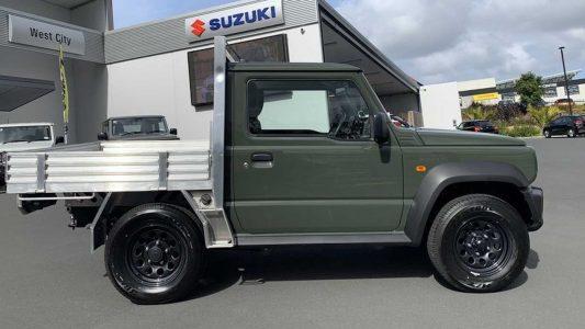 Este Suzuki Jimny pick-up está disponible en un concesionario de Nueva Zelanda