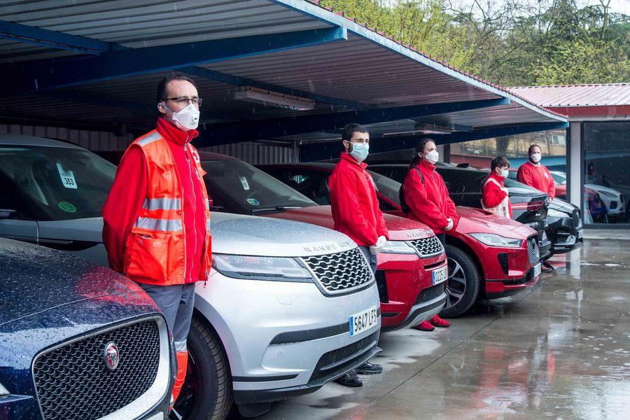 Jaguar Land Rover cede 18 vehículos a Cruz Roja para luchar contra el coronavirus