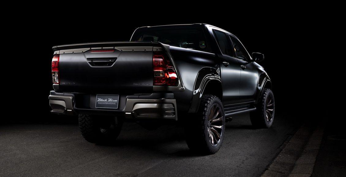 Toyota-Hilux-Sports-Line-Black-Bison-Edition-2020-6