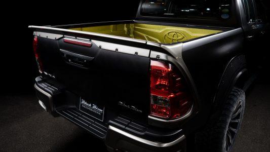 Toyota Hilux Sports Line Black Bison Edition 2020: El Hilux se ha apuntado al gimnasio y luce así de espectacular