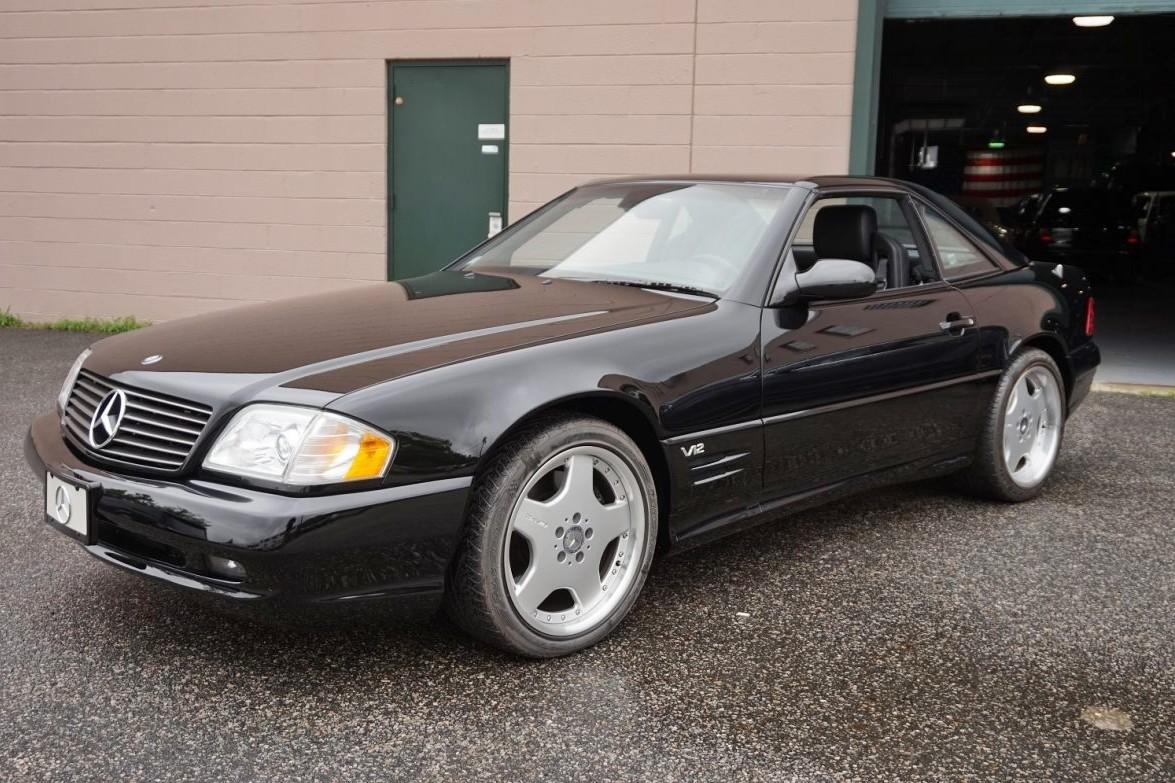 Comprar un Mercedes-Benz SL600 de 2001 sin matricular es posible, pero no te resultará barato