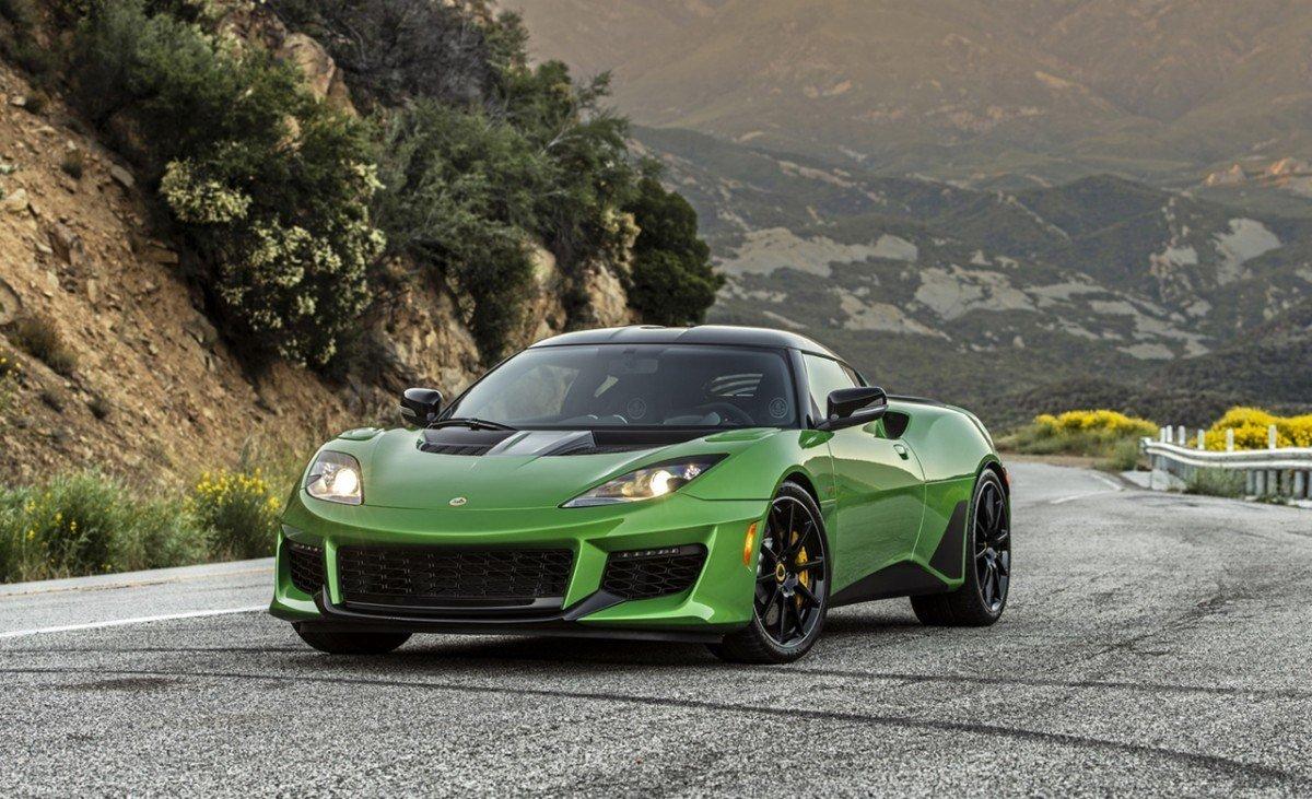 El último Lotus con motor de combustión será un deportivo de bajo coste