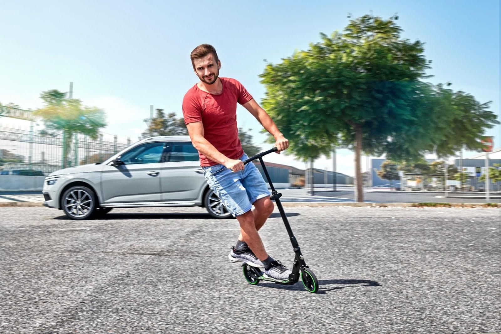 Skoda también lanza su propio patinete eléctrico Simply Clever