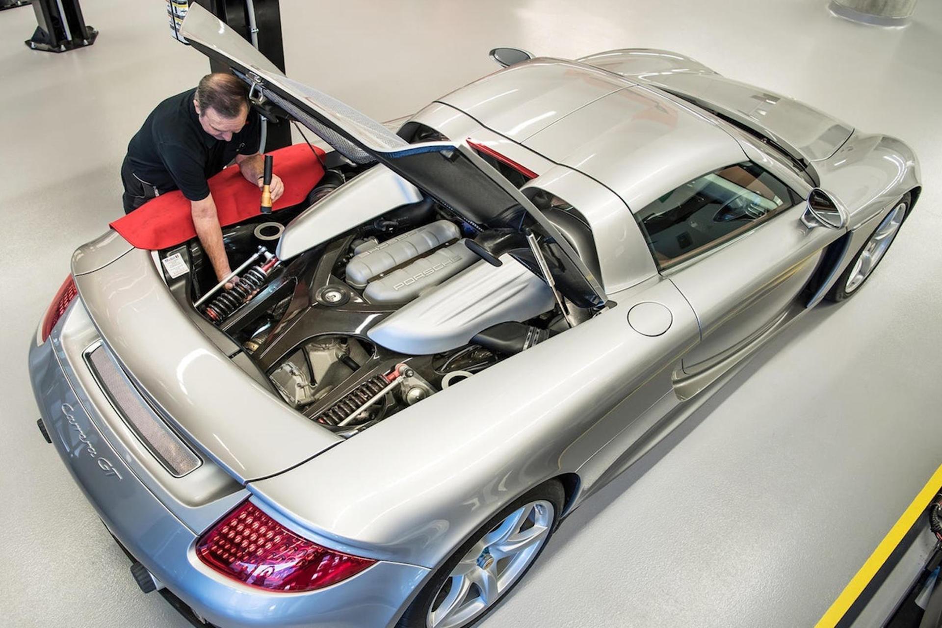 ¿Por qué este Porsche Carrera GT se ha desmontado 78 veces a lo largo de su vida?