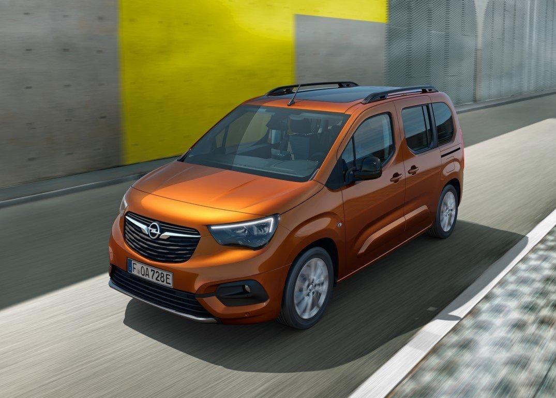 Opel Combo-e Life: Furgoneta eléctrica para pasajeros