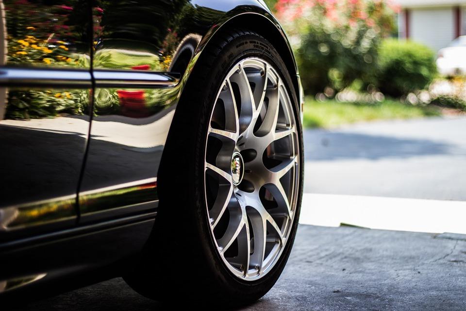 Tipos de neumáticos y el comparador donde encontrarlos